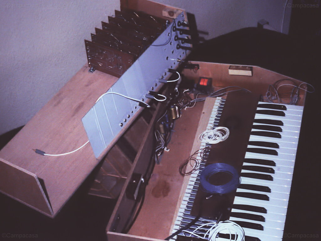 My first trials in building a synthesizer