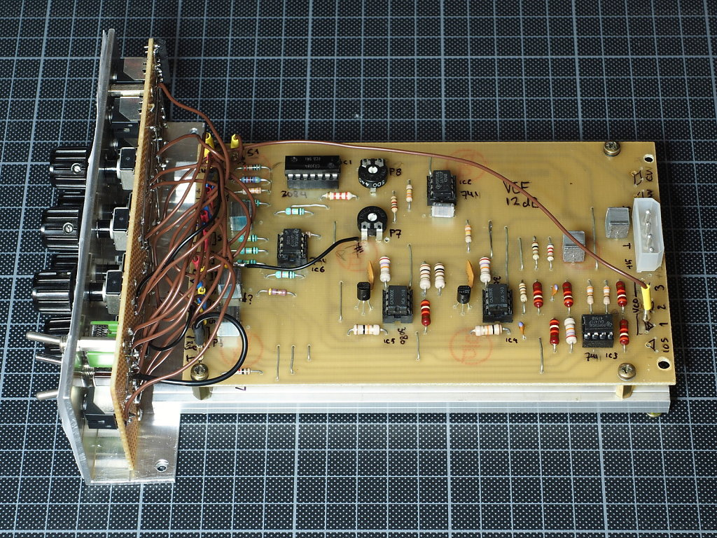 Formant VCF: Side View of Board and Front Panel